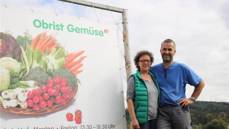 Noch wartet täglich harte Arbeit auf Beatrice und Thomas Obrist. Doch Ende Jahr ist Schluss mit Gemüse. -rr-