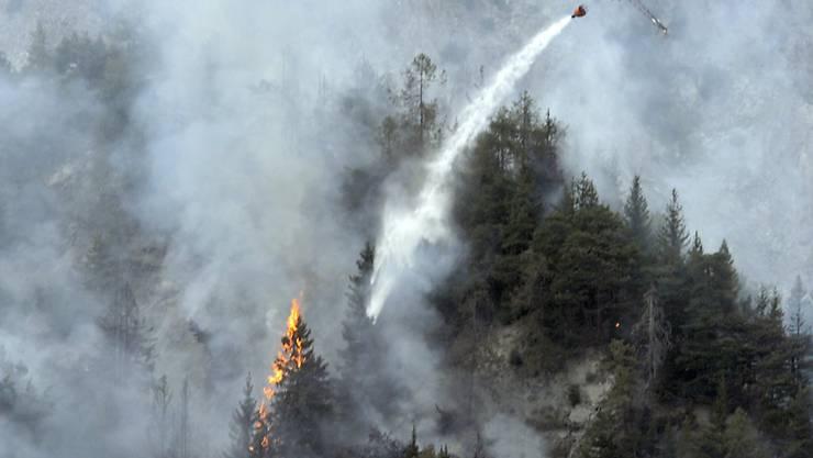 Derzeit besteht in Weiten Teilen der Schweiz grosse Waldbrandgefahr. Mehrere Kantone haben bereits ein Feuerungsverbot erlassen. (Archivbild)