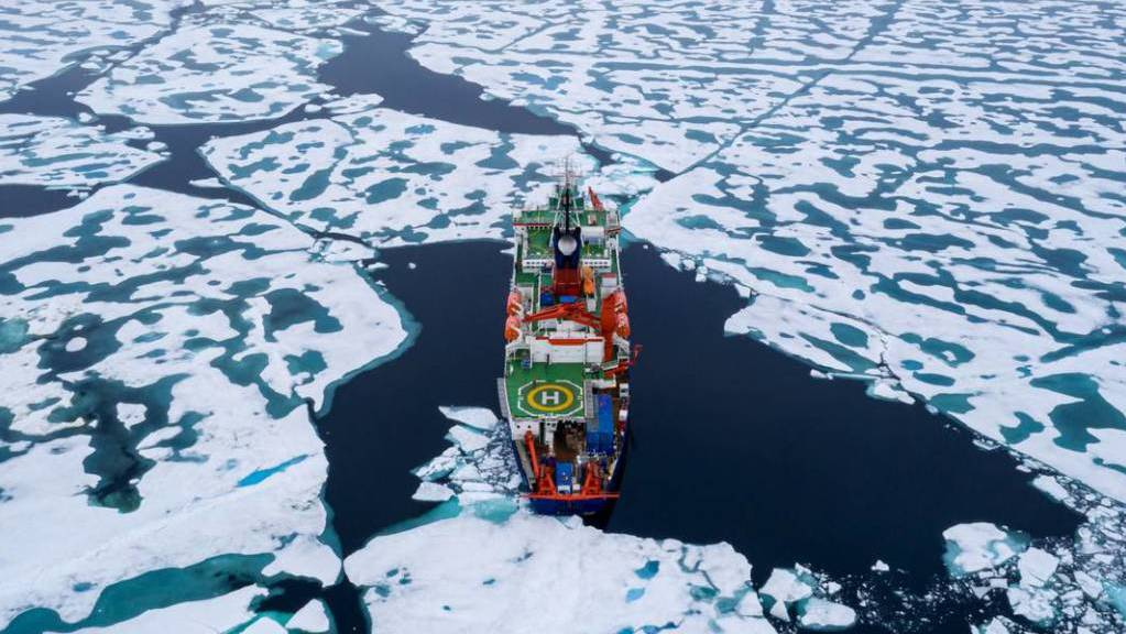 Der Weg zur neuen «Mosaic»-Eisscholle führte die Crew über den Nordpol.