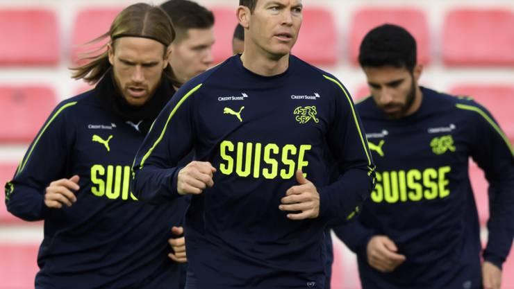 Die Schweizer Nationalspieler und ihr Trainer Vladimir Petkovic verzichten auf einen grossen Teil des Geldes, das ihnen im Jahr 2020 aufgrund von Einsätzen mit der Nationalmannschaft zustehen würde