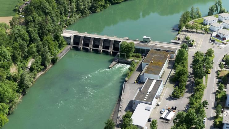 Das Kraftwerk Bremgarten-Zufikon ist wegen seinem Stauwehr nicht geschiebedurchgängig.