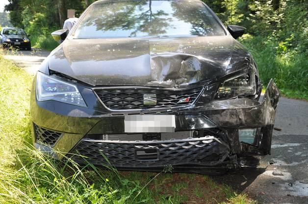Fünf Personen wurden ingsesamt verletzt worden. Ein Beifahrer musste mit der Rega ins Spital gebracht werden.