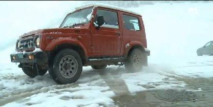 Der Jeep des Anstosses: Mit diesem Landwirtschafts-Jeep fährt der 15-jährige Simon seine Geschwister in die Schule
