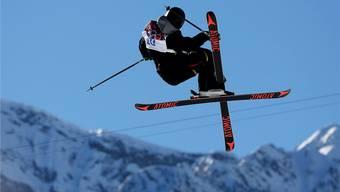 Überflieger Fabian Bösch in den Höhen von Rosa Khutor. Das Umkurven von Slalomstangen wurde dem Engelberger zu langweilig.Keystone