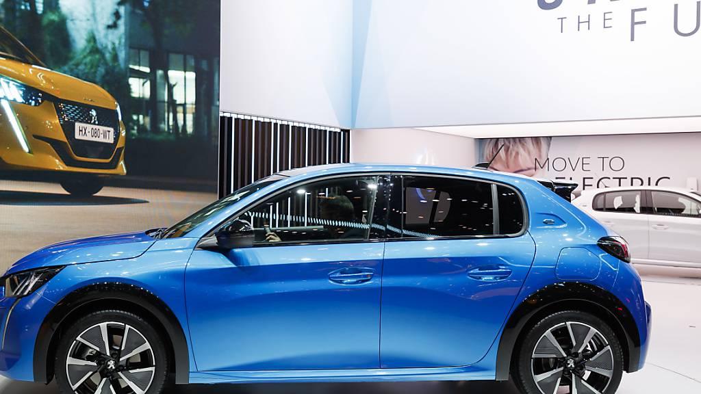 Der französische Autohersteller PSA hat von der Erholung des Absatzes in Europa profitiert. Der Umsatz der Autosparte kletterte im dritten Quartal um 1,2 Prozent auf knapp 12 Milliarden Euro. (Archivbild)