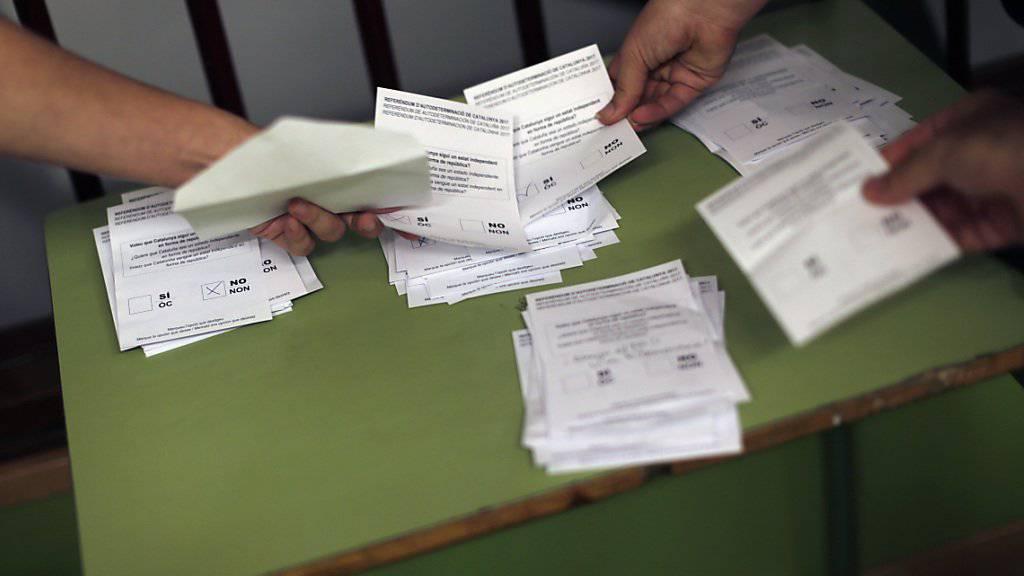 Auszählung der Stimmzettel nach der Abstimmung in Katalonien