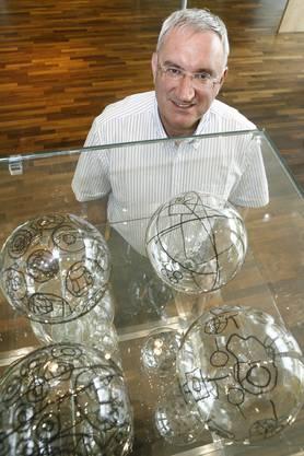 Für Sonntag: Jean-Paul Clozel Gründer und CEO des Pharamaunternehmen Actelion in Eingangsbereich der Firma. Foto niz