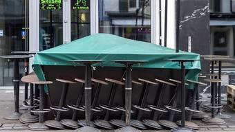 Eine Ausgangsmeile wie in Basel gibt es im Baselbiet nicht: Auch deshalb will der Regierungsrat die Massnahmen derzeit nicht verschärfen.
