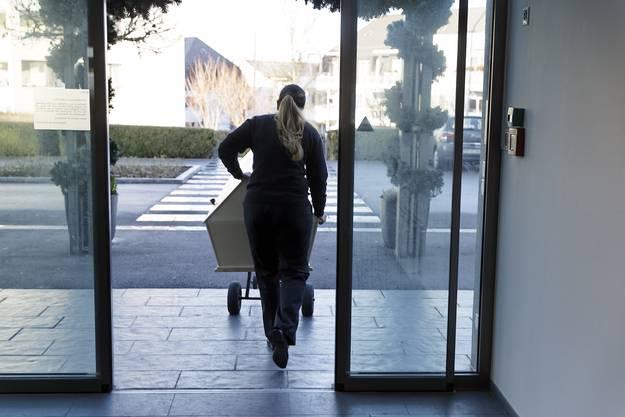 So wie die Bewohner eintraten, sollen sie auch austreten - duch den Haupteingang.