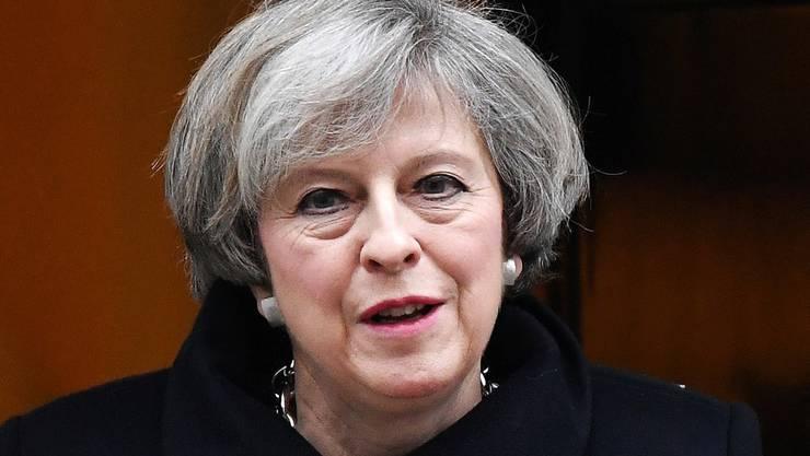 Die britische Premierministerin Theresa May kann nach dem Willen des britischen Unterhauses den Prozess für den Austritt Grossbritanniens aus der EU einleiten. Die Parlamentarier billigten das entsprechende Brexit-Gesetz mit grosser Mehrheit.