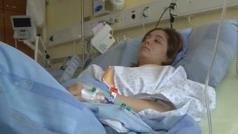 Nachdem ihr Freund betrunken einen Unfall gebaut hat, liegt Debora K. im Spital: «Ich habe ihm vergeben», sagt sie.