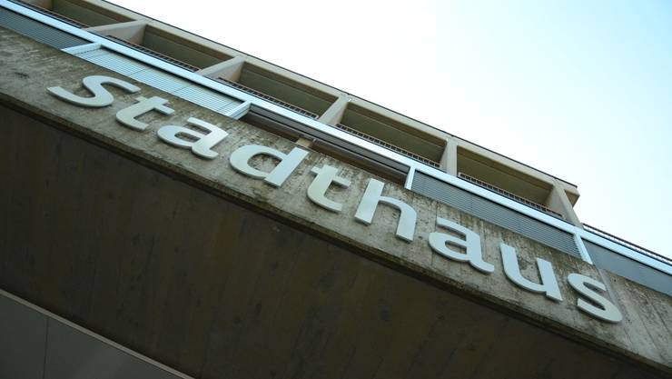 Stadthaus Schlieren: Gemäss dem Bericht der Städteinitiative ist jedoch nicht nur die Zuwanderung für den hohen Anteil an Sozialhilfebezügern verantwortlich.