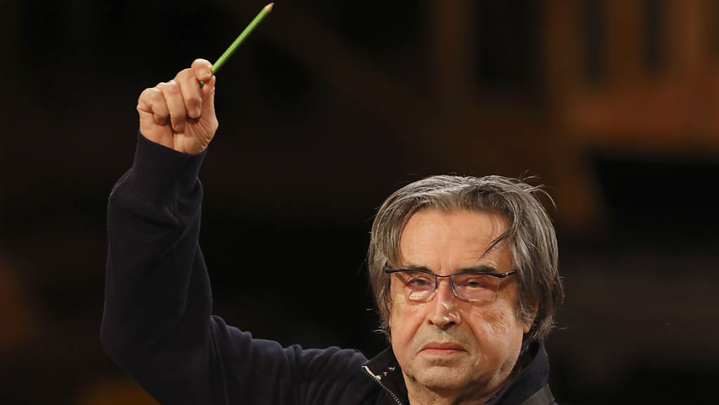Unter der Leitung von Dirigent Riccardo Muti proben die Wiener Philharmoniker für das traditionelle Neujahrskonzert. Foto: Dieter Nagl/Wiener Philharmoniker/APA/dpa - ACHTUNG: Nur zur redaktionellen Verwendung im Zusammenhang mit der aktuellen Berichterstattung und nur mit vollständiger Nennung des vorstehenden Credits