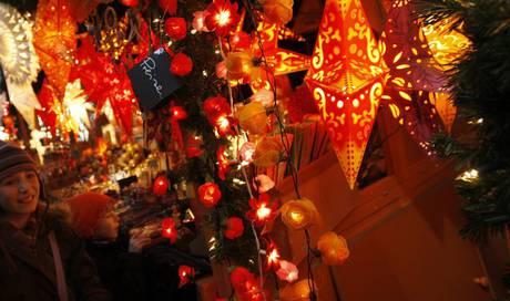 Weihnachtsmarkt H.In Drei Wochen Kehrt Das Zürcher Wienachtsdorf Auf Dem