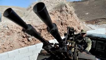 Die «Freie Syrische Armee» erwartet den Angriff des Diktators: Assads Regierungstruppen haben Idlib umstellt. Key