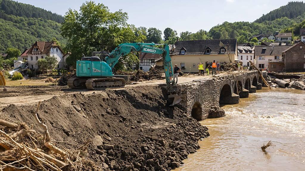 Trauer zwischen Trümmern – das grosse Aufräumen in den Flutgebieten