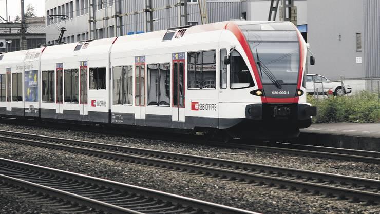 Die Wiedereinführung durchgehender Regio-S-Bahn-Züge zwischen der Schweiz und Mülhausen im Elsass rückt wieder in die Ferne. (Archivbild)