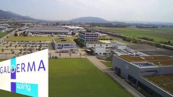 Für 190 Mitarbeiter der Galderma Schweiz AG ist die Zukunft ungewiss. Laut Fabrikdirektor, führte er eines seiner schwierigsten Mitarbeitermeetings.
