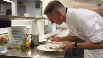 Heiko Nieder ist der Mann mit der grossen Pinzette. Der Restaurantführer GaultMillau hat ihn für seine verblüffenden, aufwendigen Kreationen zum Koch des Jahres ernannt.