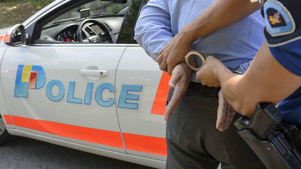 Die Genfer Polizei konnte die mutmasslichen Täter noch im Verlauf des Sonntags festnehmen. (Symbolbild)