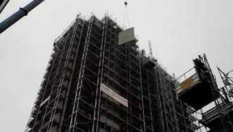 Besuch auf der Grenchner Hochhaus Baustelle in 45 Meter Höhe