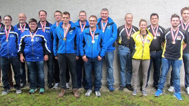 An der Solothurner Gruppenmeisterschaft holten sich die Sportschützen Trimbach (Bildmitte) die Goldmedaille bei den Aktiven vor Subingen-Deitingen (links) und den Freischützen Balsthal-Klus.