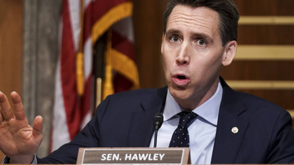 ARCHIV - Josh Hawley, republikanischen Senator, spricht während einer Anhörung des Homeland Security  Governmental Affairs Committee. Foto: Greg Nash/Pool The Hill/AP/dpa