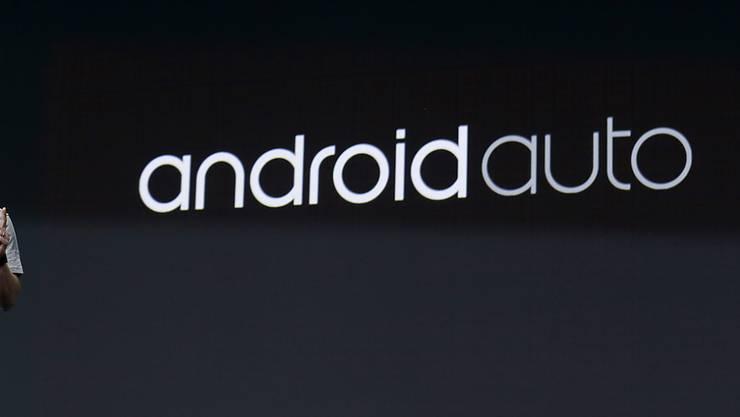 Google will das Betriebssystem Android neben Smartphones auch in Autos bringen. Google-Manager Patrick Brady verspricht den Herstellern die volle Kontrolle über Funktionen, Bedienung und die Einbindung zusätzlicher Dienste wie etwa Musik. (Archiv)