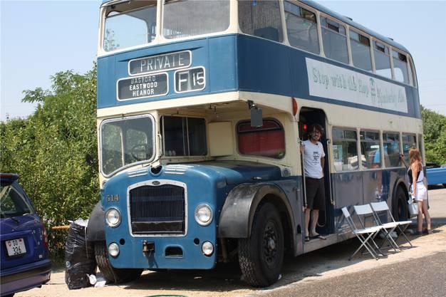 Dieser ausrangierte London-Bus ist mittlerweile ein Markenzeichen des Autokinos in Pratteln. Die Anschaffung wurde von der Kulturförderung unterstützt.
