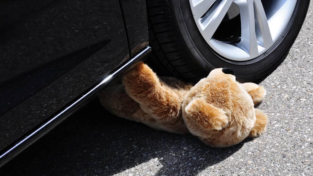 Schwer verletzt: 4-jähriges Mädchen von Lieferwagen überrollt