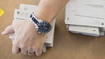 Der Kanton Aargau machte Bergdietikon und allen anderen Aargauer Gemeinden klar, dass sie ihre Teilergebnisse der eidgenössischen Abstimmungen nicht vor 12 Uhr bekannt geben dürfen. (Themenbild)
