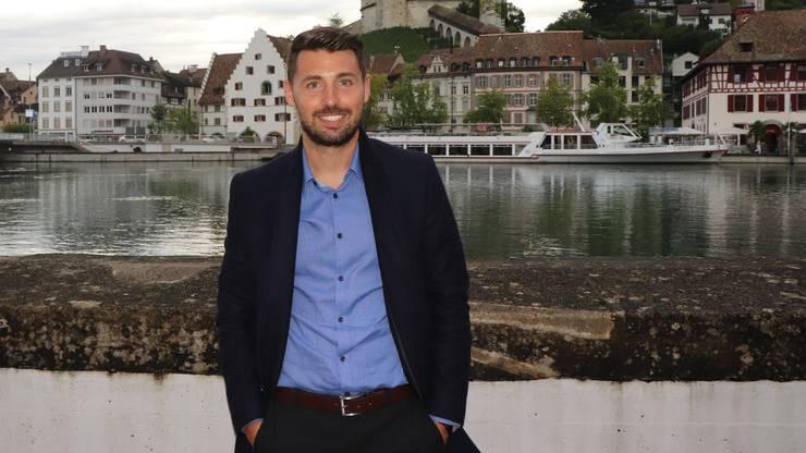 Gianluca Frontino hat das Trikot gegen Hemd und Mantel getauscht. Aus dem Fussballer wurde ein Versicherungsberater.