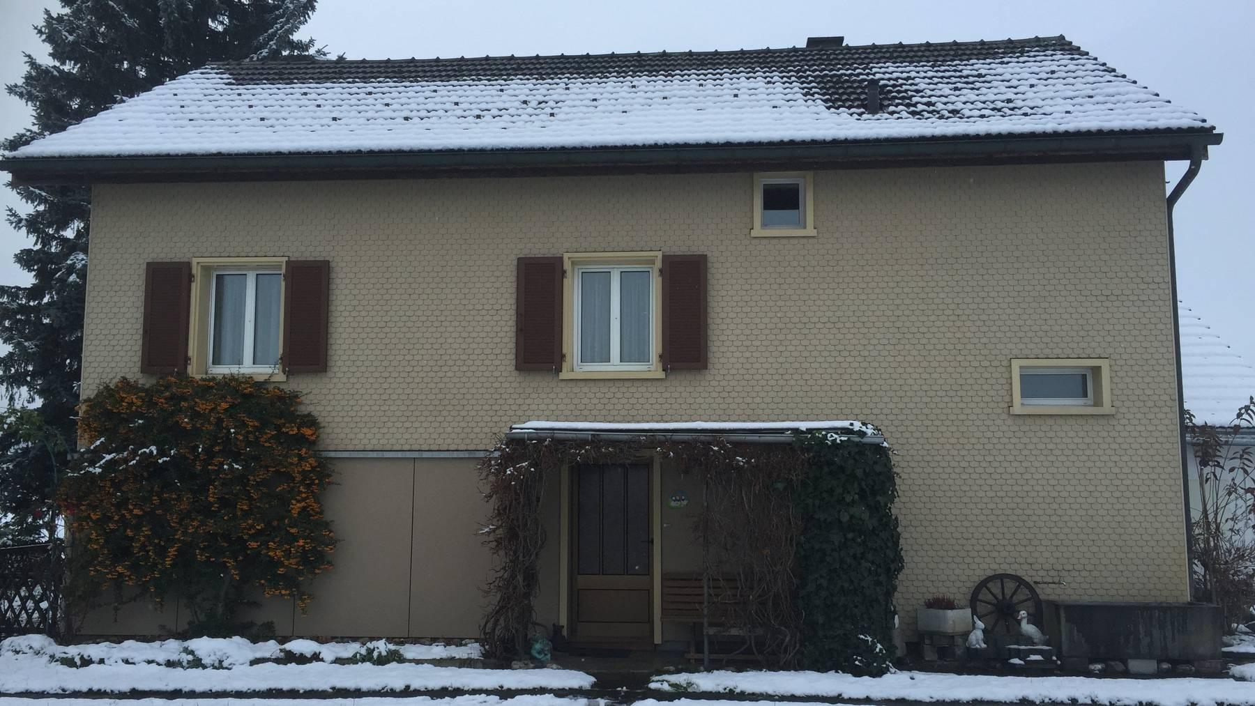 Vor diesem Haus in Grabs wurde der 45-jährige Schweizer niedergestochen.