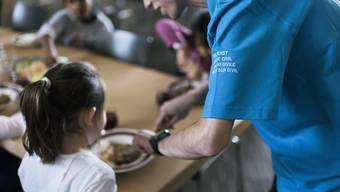 Zivildienstleistende leisten tagtäglich ihren Dienst in sozialen Einrichtungen und Projekten zum Wohle der Gesellschaft. (Archivbild)