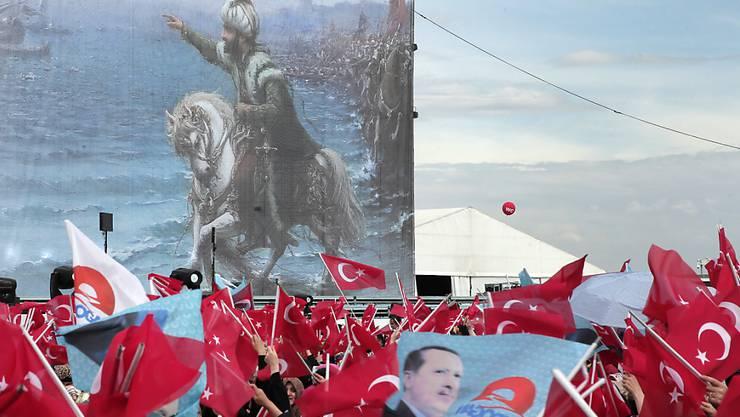 Istanbul in Festlaune: Feier 562 Jahre nach Eroberung Konstantinopels durch die Osmanen