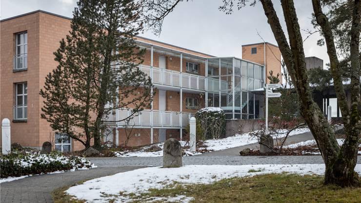 Die Siedlung «Auf Walthersburg» hat 59 Miet- und Alterswohnungen. Noch gehört sie der «Swiss Re». Chris Iseli