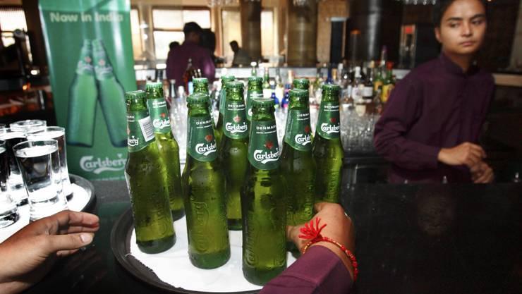 Carlsberg baut weltweit Stellen ab (Symbolbild).