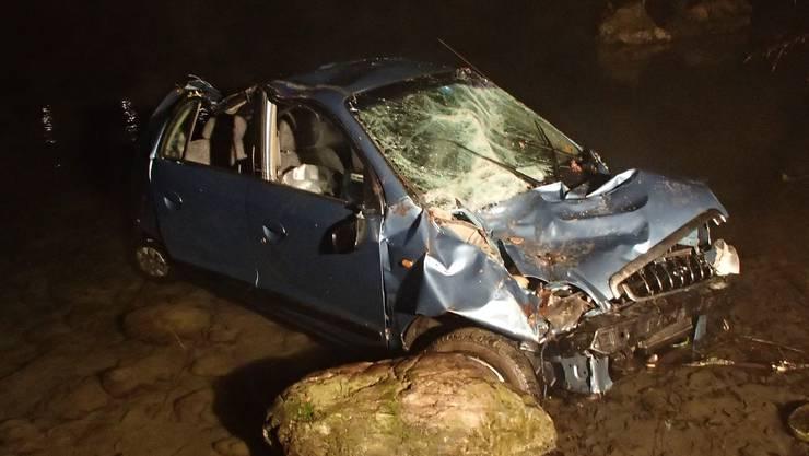 Um 5.30 Uhr landet der 50-jährige Schweizer mit seinem Hyundai Atos in der Limmat.