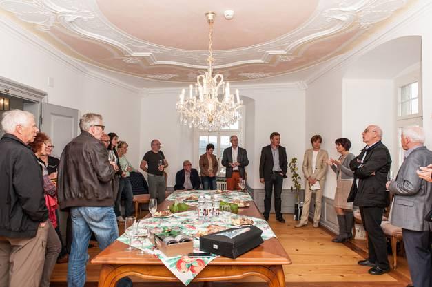 Interessiert hören die Gäste den Ausführungen von Bundesrätin Leuthard zu