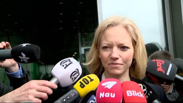 Staatsanwältin Barbara Loppacher tritt nach dem Prozess vor die Medien