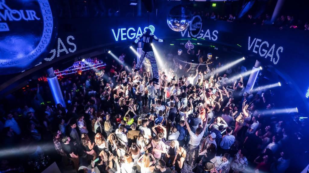 Nur noch 100 Gäste in Clubs erlaubt