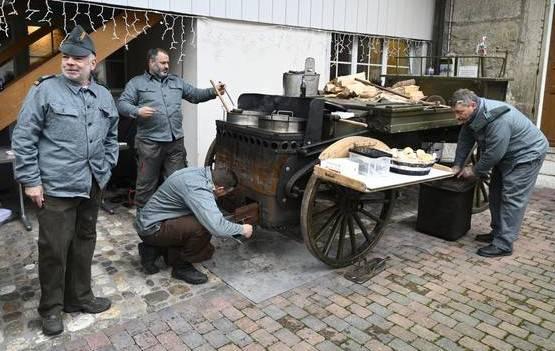 Einfeuern und Aufkochen der Boullion