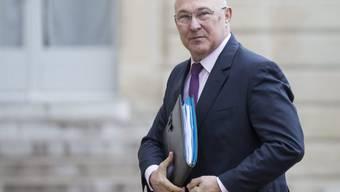 Der französische Finanzminister Sapin heizt den Bieterstreit an