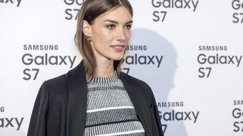 Model Ronja Furrer: Täglich mehrere Stunden Therapie