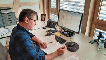 SVP-Nationalrat Thomas Burgherr im Home-Office.