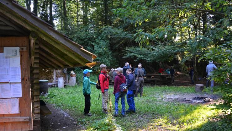 Um fünf Uhr brachen die Ferienpass-Teilnehmer schon in den Wald auf