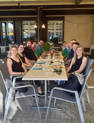 10 Mitglieder trafen sich zum Abendessen
