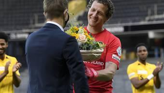 Blumen für die lebende Legende Marco Wölfli zum Abschied