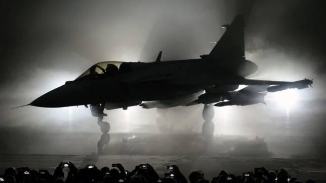 Obwohl ihn das Volk nicht wollte, wird er für die Armee bald wieder zum Thema: Der neue Gripen an einer Präsentation im vergangenen Mai in Schweden. Foto: Keystone