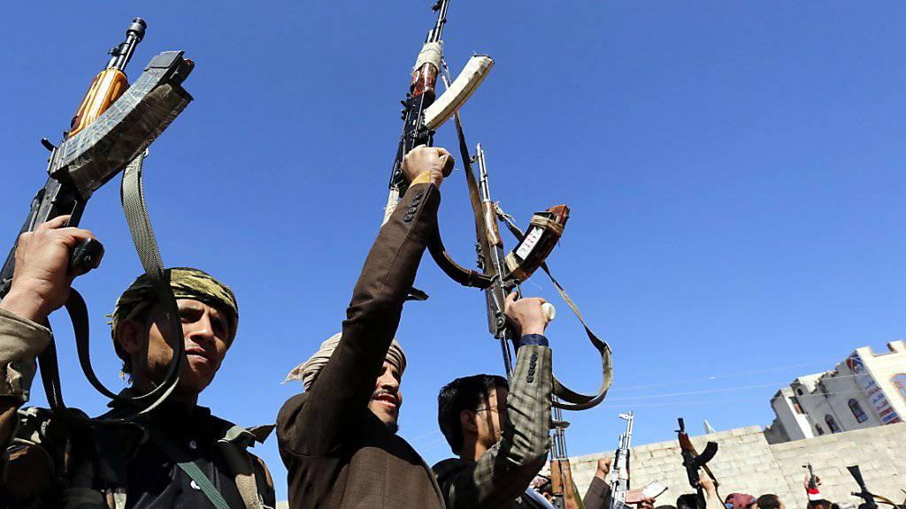 Anhänger der schiitischen Huthi-Rebellen in der jemenitischen Hauptstadt Sanaa.